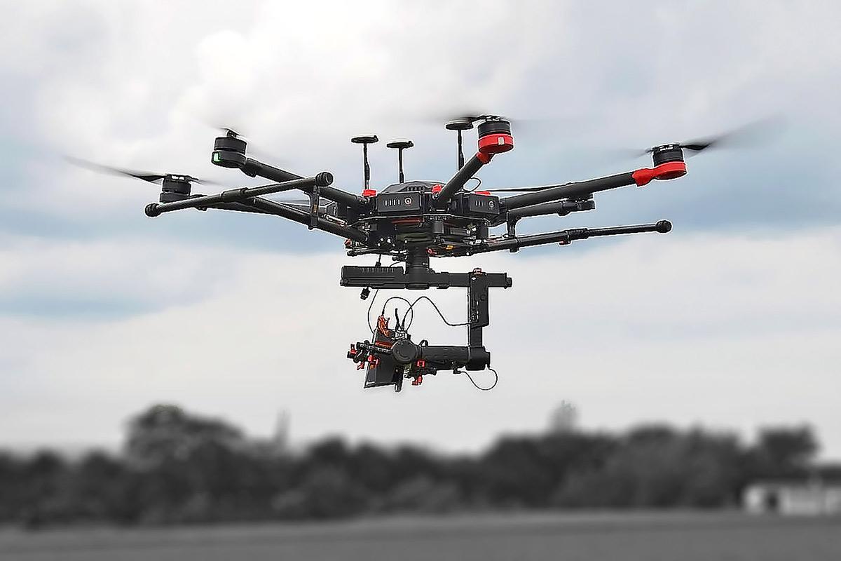 V rámci bezpečnosti lze využívat bezpilotní prostředky pro několik oblastí. Jsou jimi zejména search and rescue a monitoring.
